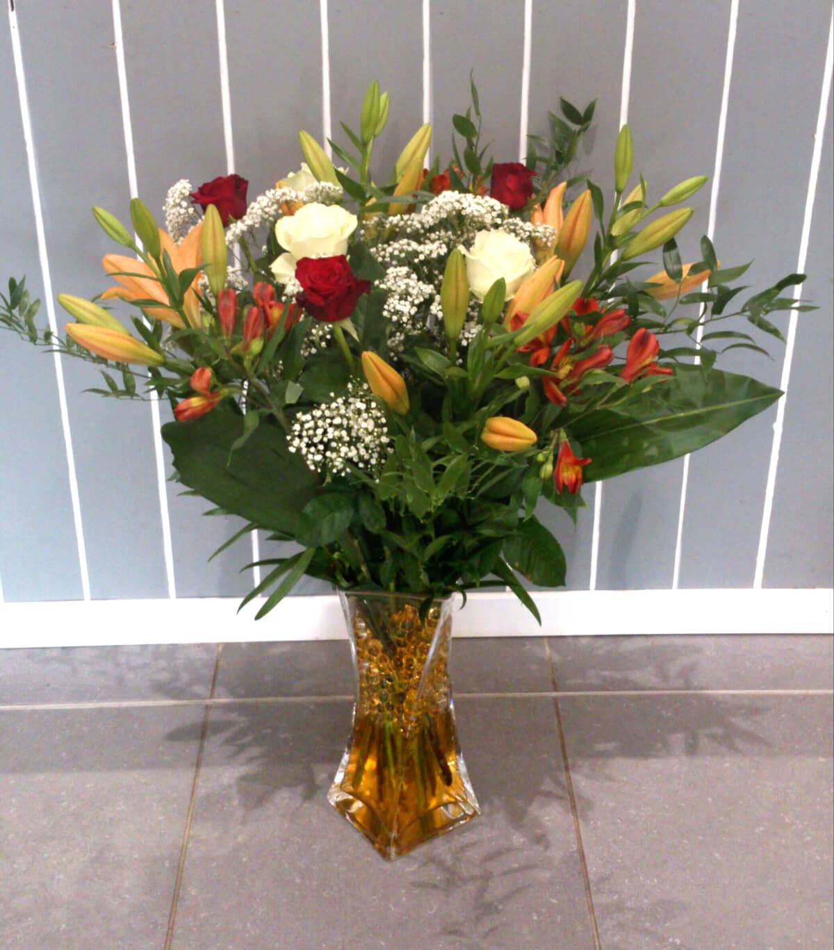 Compositions florales originales fan de fleurs for Bouquet de fleurs pour un malade