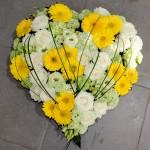 Cœur deuil fleuri