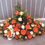 Fleurs devant de tombe