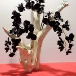 Fleurs de soie sur bois flotté